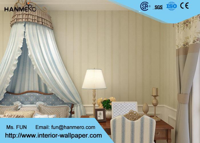 Vinylluxe eigentijds gestreept behang voor woonkamers in reli f gemaakte oppervlaktebehandeling - Eigentijdse woonkamers ...